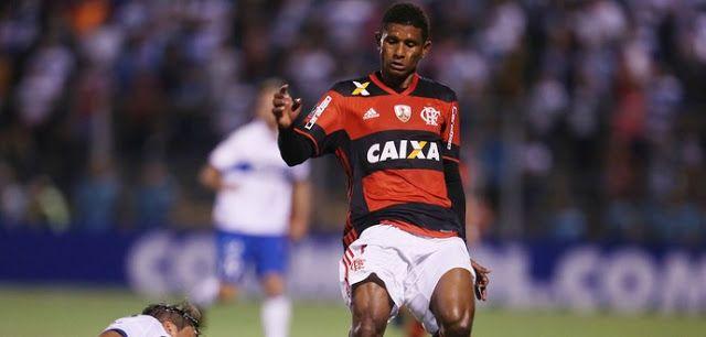 "Vilaron defende Márcio Araújo e cita passes acertados: ""Fez bom jogo"""