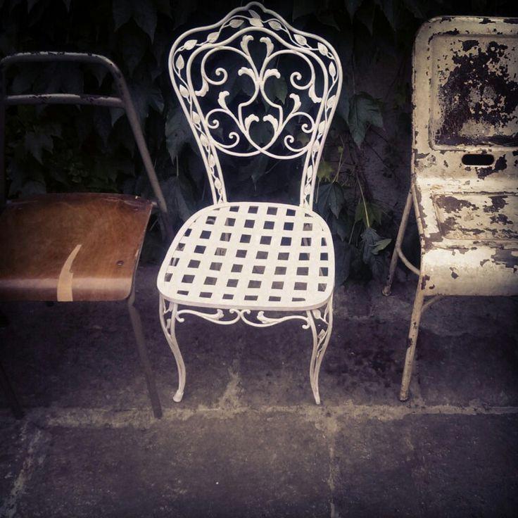 Alla presentazione di I'm Isola Marras ciò che conta è essere diversi (anche le sedie)