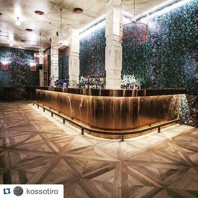 Parquet tile #odori #vermuteriadiatene #tiles  #ceramicarefin # ninedesign #restaurantinterior #restaurantdesign #vermuteria Mansion #tiles#refin#porcelaintiles#floortiles#woodlooktile#woodlook#woodeffecttile#woodeffect#instacarrelage#tegels#passioncarrelage#floorsthatilove#floortiles#tilethatlookslikewood#fliesen#holzoptik#parkettoptik#parkettfliesen#Керамогранит