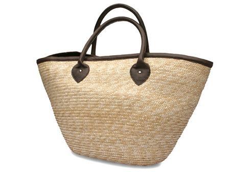 No te olvides de nada con este maxi bolso esparto para la playa.