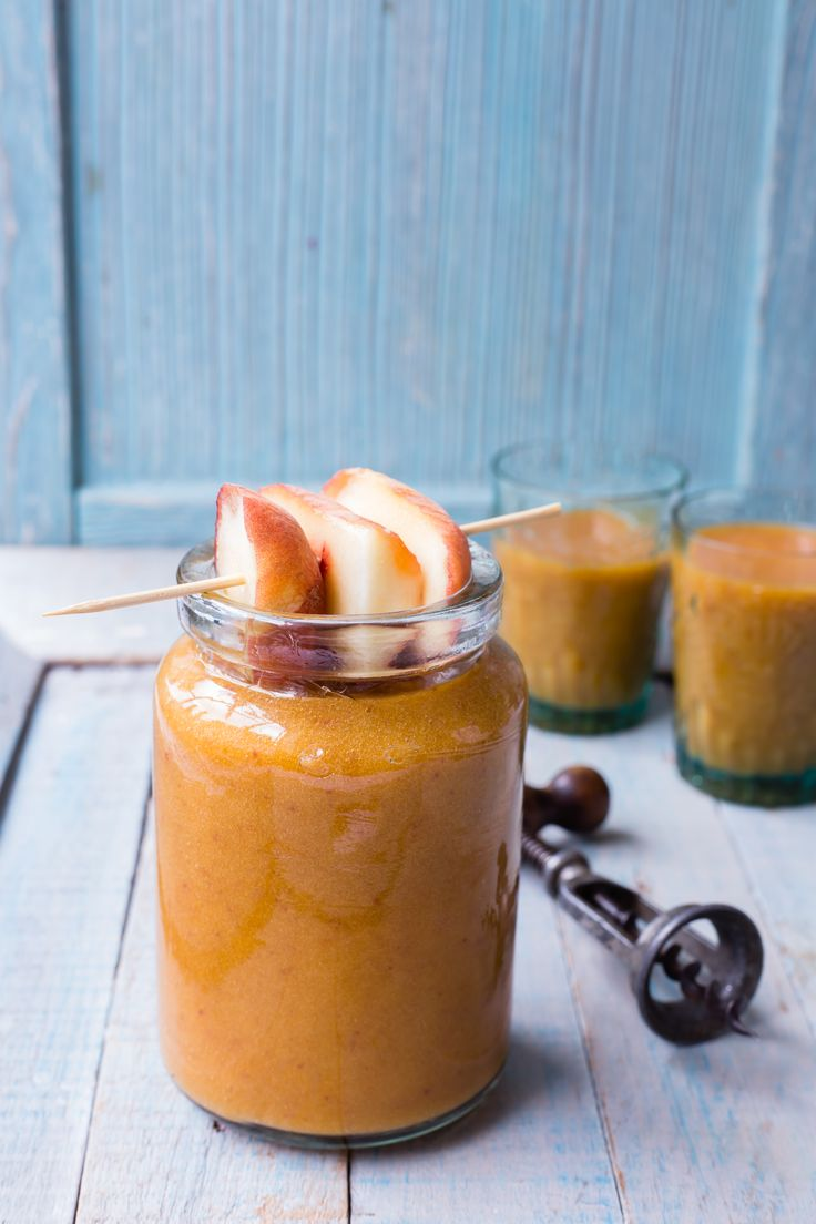 Make this super-lovely peach wine slushy and enjoy.
