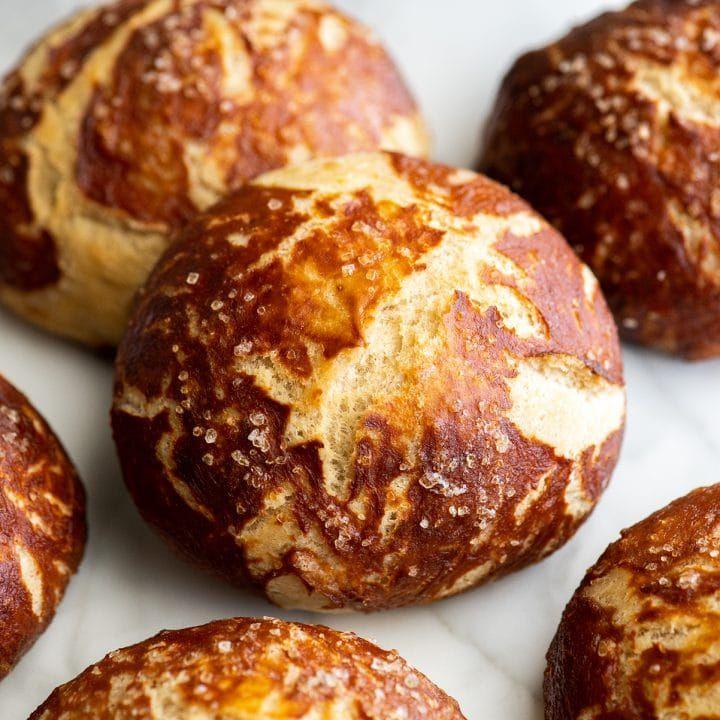 The BEST Homemade Pretzel Bread (or Pretzel Rolls) recipe ...