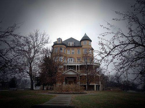Topeka State HospitalStates Hospitals, Rocks Chairs, Insanity Asylum, Abandoned Asylum, Beautiful Spooky, Abandoned Buildings, Beautiful Abandoned, Topeka States, Abandoned Places