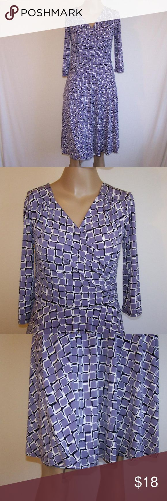 "APT. 9 Dress SP Stretch Animal Print 3/4 Sleeves Apt 9 size small petite dress  3/4 sleeves  cross over  stretch  purple black & white animal print  nice drape to fabric     96% polyester 4% spandex  machine wash     bust 32"" unstretched  waist 32""  length 38""  sleeve length 15 1/2""  nice condition Apt. 9 Dresses"