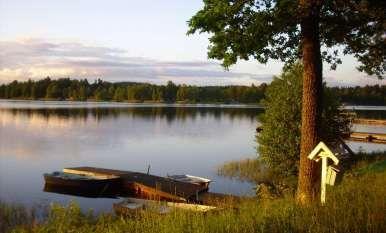 Interrail Nordeuropa Tag 4 | Trelleborg – Eksjö: Eine atemberaubende Überraschung | Eksjö See | Eksjö Camping | Badesee