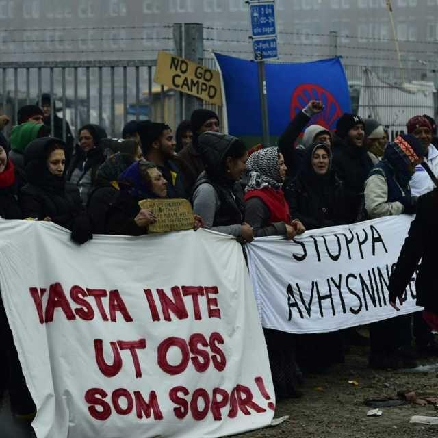 Stora protester i samband med att de boende i migrantlägret Sorgenfri i Malmö blev avhysta