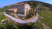 Debbie Travis and Marilyn recount the highlights of their trip to Debbie's Tuscan villa.