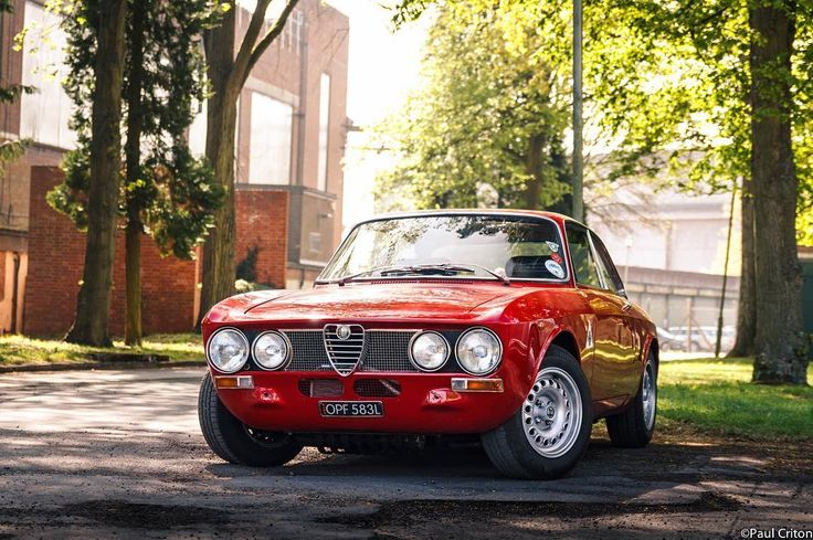 "582 Likes, 10 Comments - Paul C (@paul_db5) on Instagram: ""Some cars just look right. Alfa Romeo GT at Bicester Heritage.  #Alfa #AlfaRomeo…"""
