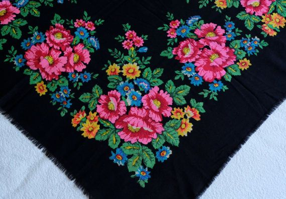 Black woolen shawl Russian woolen scarf vintage by MadeInTheUSSR