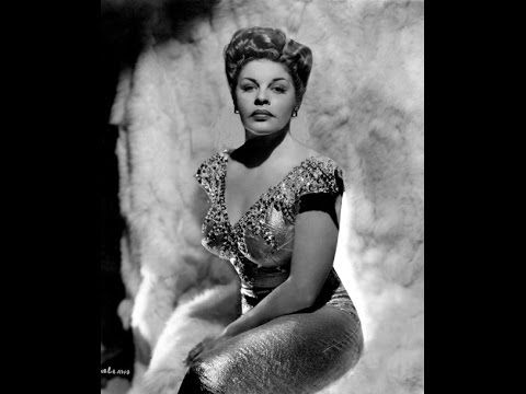MARTHA RAYE SINGS  -  INDIAN LOVE CALL with RUDY VALLEE 1939