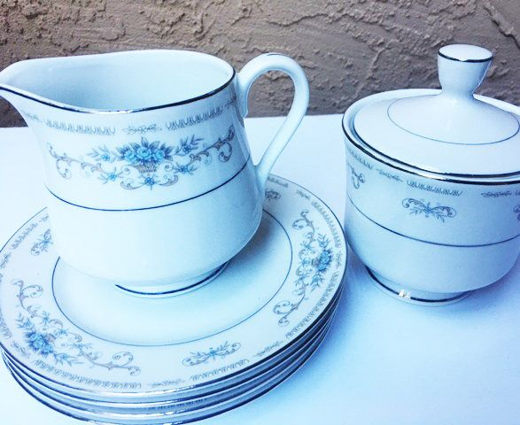 Fine China of Japan, Diane pattern, 6 Piece Sets, Vintage dinnerware by LoveCareHandmade on Etsy https://www.etsy.com/listing/540674529/fine-china-of-japan-diane-pattern-6