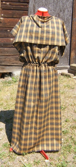 Iron Age Dress  A Celtic/Britonic/Teutonic style, likely influenced by Roman styles. Can be made straight and worn belted, or with a drawstring waist.