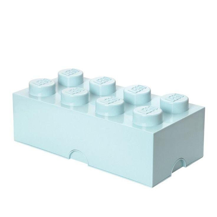 """Lego opbevaringskasse - brick 8 - Super smarte og lækre opbevaringskasser fra Room Copenhagen.  Kan bruges både i børneværelser og i stuen.  Alle kasser kan stables ovenpå hinanden, også store og små sammen.  Findes også i en mindre variant """"Lego opbevaringskasse - lille brick 4"""""""