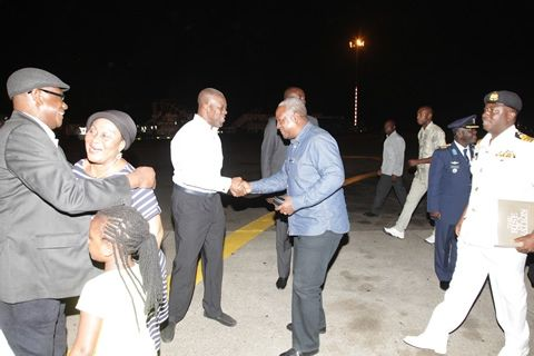 Prez. Mahama and family back from Christmas holidays in Dubai (Pictured)