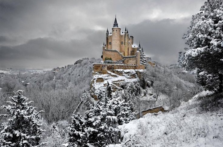 alcazar castle of segovia spainWinter, Segovia Spain, Secret Places, Beautiful, Segovia, Segoviaspain, Alcazar Castles, Abandoned Castles, Travel Destinations