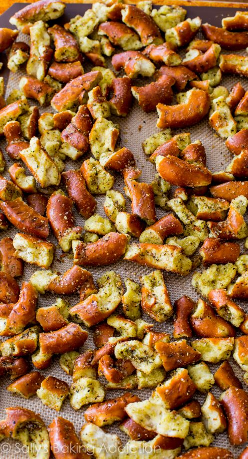 Mom's Seasoned Pretzels ~ so many options for changing the seasonings ~ must try for football season!