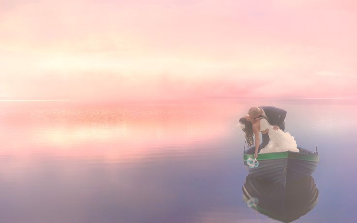 """""""Only Love lets us see normal things in an extraordinary way"""" http://simplysusieq.com/ #sunset #boat #water #pose"""