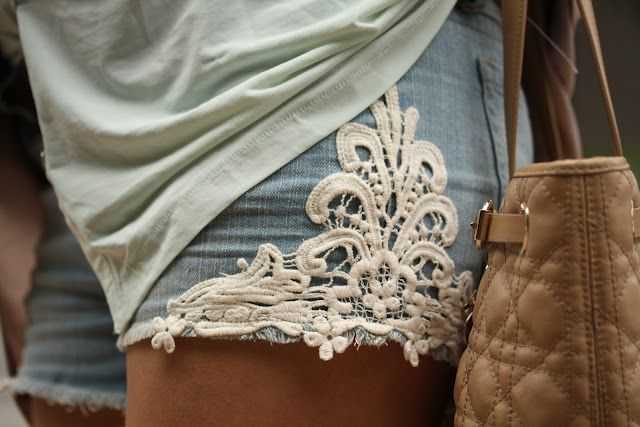 Add a bit of lace to your denim cut offs- via Crush Cul de Sac http://crushculdesac.tumblr.com/post/27404388118: Jean Shorts, Fashion, Style, Dream Closet, Clothes, Lace Detail, Denim Shorts, Diy