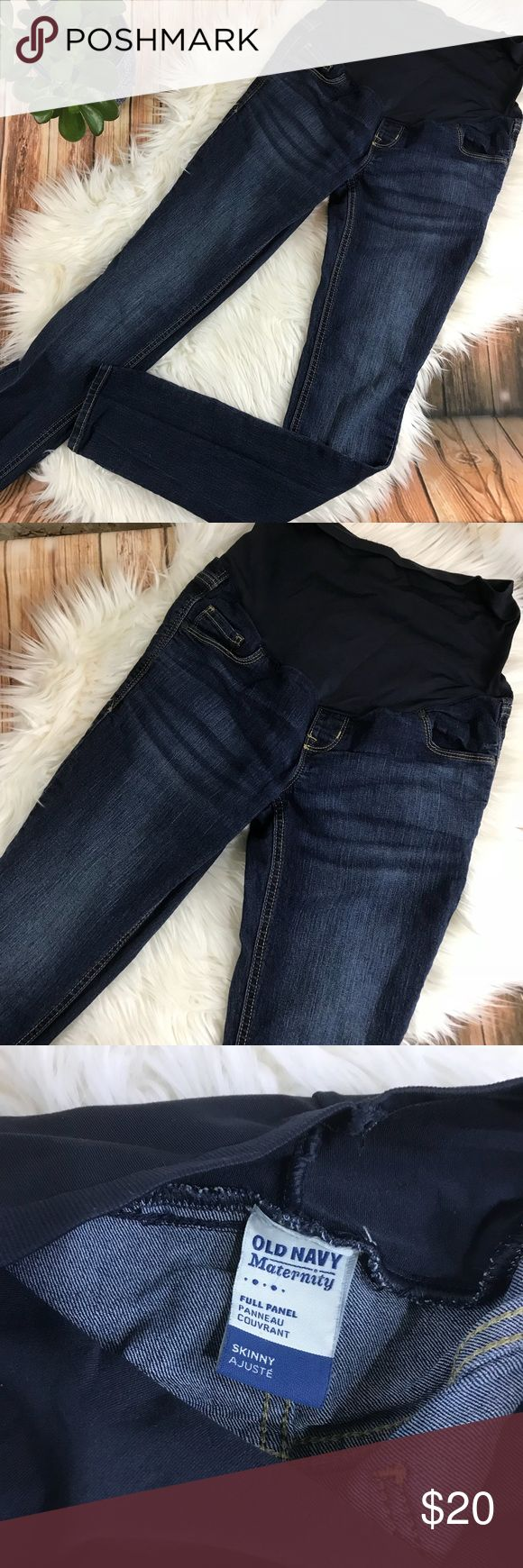 Old navy dark maternity jeans In gently used condition. Dark wash maternity skinny jeans from Old Navy. Wide elastic band to go over the tummy. Size 6 Old Navy Jeans Skinny