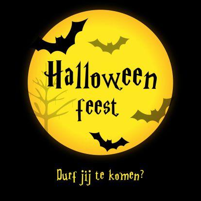 Spannend Halloween kaartje met een volle maan en vleermuizen, verkrijgbaar bij #kaartje2go voor €1,89