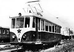 jedna z pôvodných električiek na trati (Trenčianska Teplá-Trenčianske teplice .)