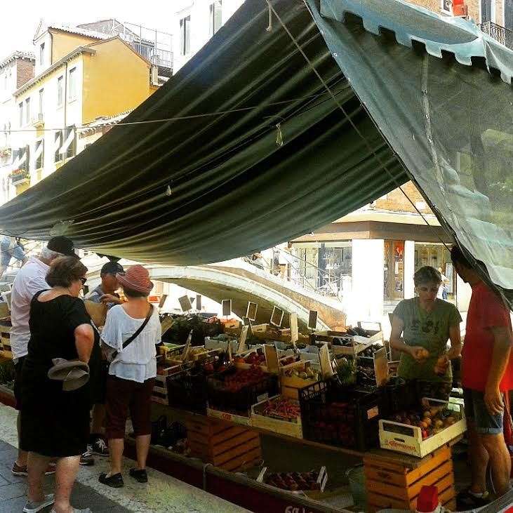 This is the famous fruits's boat near San Barnaba's Square !