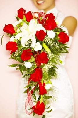 How to Make a Bridal Cascading Bouquet With Fake Flowers