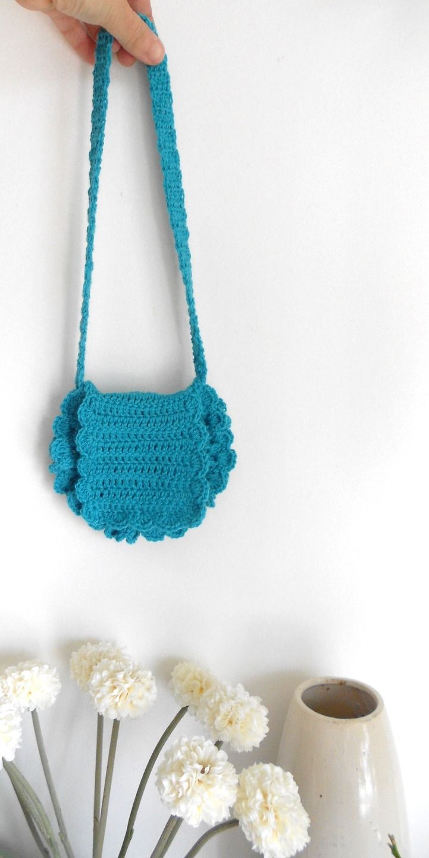 sac enfant r alis au crochet coton bleu pour petite fille crochet. Black Bedroom Furniture Sets. Home Design Ideas