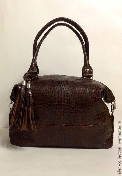 Сумка`Кофейное Настроение`из натуральной кожи. Женская сумка из натуральной итальянской  кожи 'Кофейное Настроение'.Модная и стильная модель сумочки на каждый день!  Очень красивая натуральная кожа с выделкой под крокодила и очень вкусным и сочным кофейным цветом…