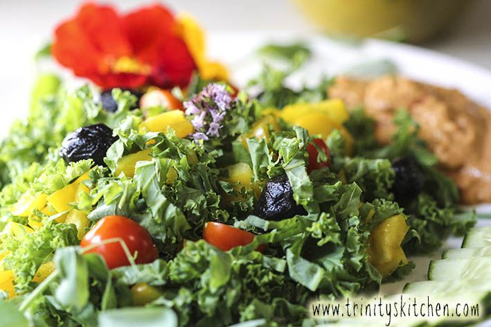Kale is undoubtedly one amazing vegetable! Here's a recipe for summer kale salad with hemp & parsley dressing.