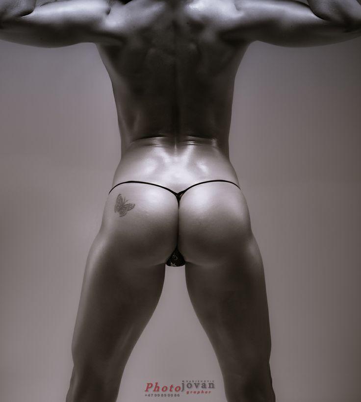 Muscle ART by Photojovan  www.photojovan.com Model: Sandra Reiche www.sandrareiche.nu