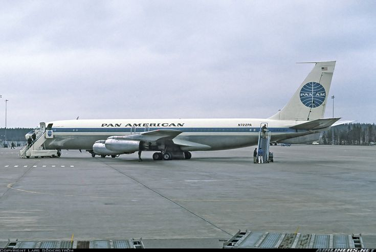 Pan Am- Boeing 707-231 aircraft on JFK tarmac in 1973