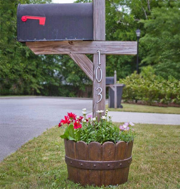15 Smart Ways to Incorporate Wooden Barrels in Your Yard