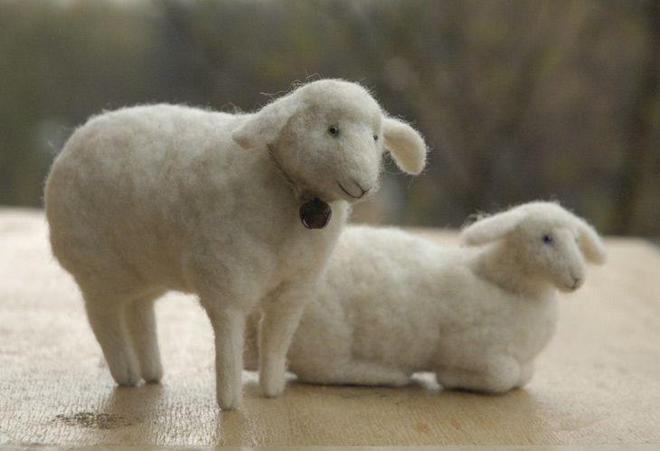 Natash Fadeeva - A master at felting..needle felted sheep - sitting and lying down