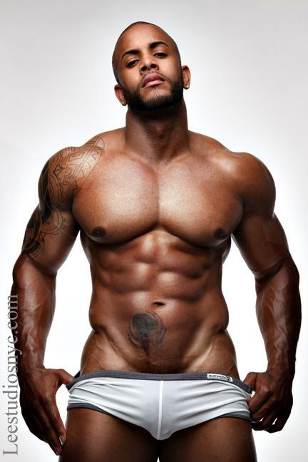 Modelo masculino genial. Leestudionyc.com