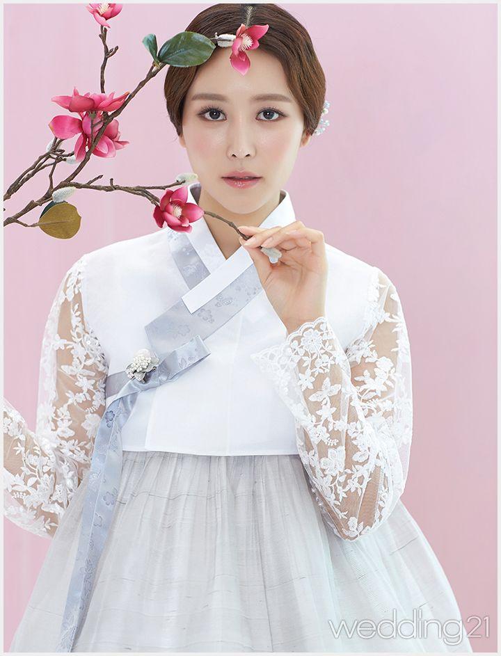 단아한 전통미와 고혹적 아름다움의 고운 한복 웨딩 신, 한삼우리옷