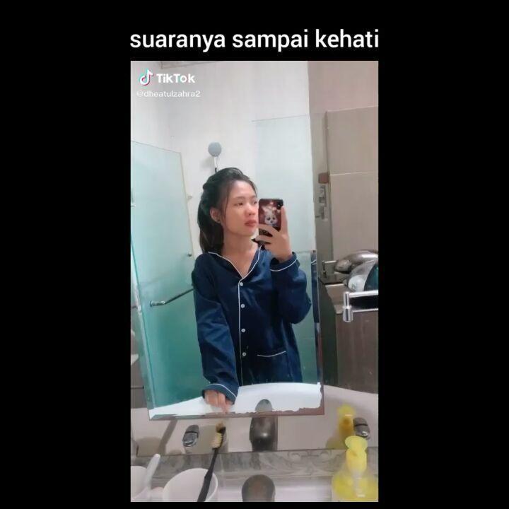 Cocamoody Menambahkan Video Ke Akun Instagramnya Semangat Yaa Kamu Sc Tiktok Dheatulzahra2 Follow Cocamoody F Instagram Mirror Selfie Instagram Accounts