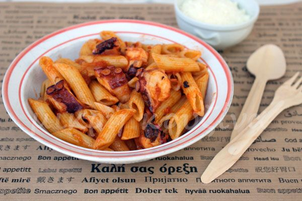 μικρή κουζίνα: Χταποδομακαρονάδα