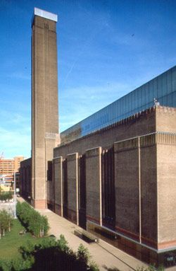 The Tate Modern, the coolest art museum in the world. - check
