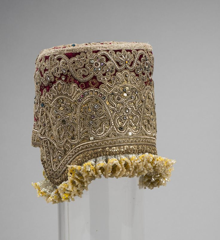 Kokoshnik | Russia | 19th century | velvet, cotton, gold thread, mother-of-pearl | Hermitage | Inventory #: ЭРТ-10153