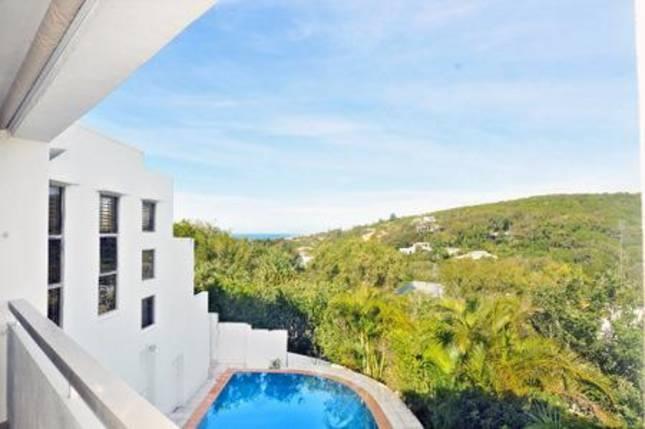 Sunshine Beach House - price application - 5 bed - sleeps 8