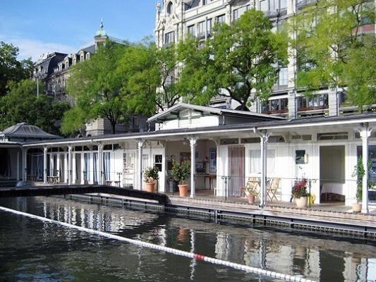 Frauenbadi Zürich - Ladies River-Pool Zurich, Switzerland