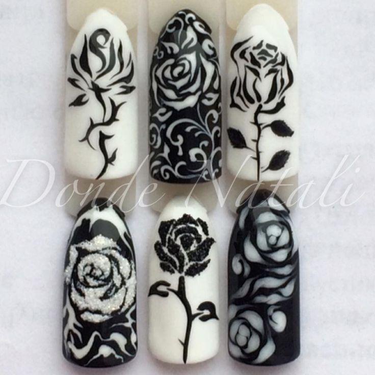 @d.nail_studio Черно-белые розы для тех, кто не любит яркие оттенки! Черно-белые цвета подойдут под любую одежду!☑️ #розынаногтях #чернобелыеногти #росписьногтей #рисункинаногтях #трафаретнаяроза #черныеногти #белыеногти
