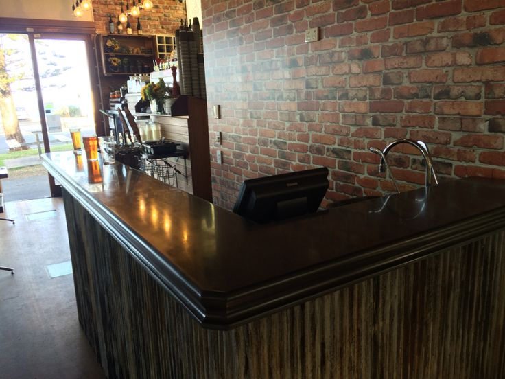 Cool bar top with custom edge great to chill and have a few beers with friends