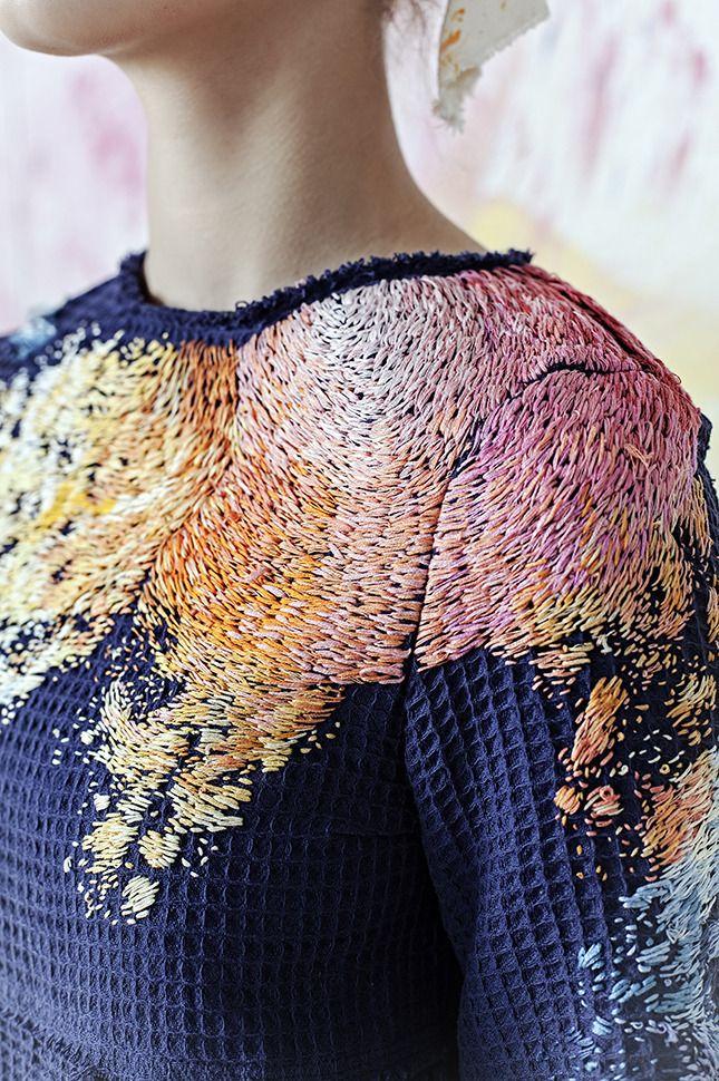 Оля Глаголева и Лиза Смирнова создали коллекцию домашней одежды для художницы | Мода | Новости | VOGUE