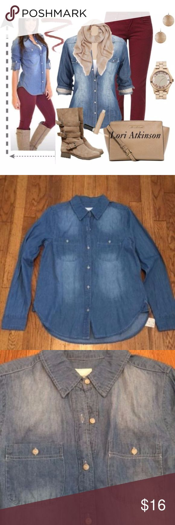 WOMEN/JUNIOR- LONG SLEEVE CHAMBRAY WOMEN/JUNIOR- LONG SLEEVE CHAMBRAY SIZE MEDIUM IN EUC Mudd Tops Button Down Shirts