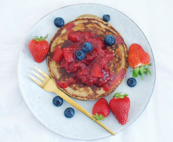 White bean pancakes with compote and fresh berries
