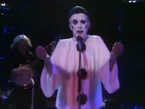 Leo Sayer - The Show Must Go On