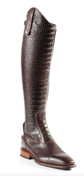 Brown boots are sooo in right now! Why not take your fashion up a level and get the DeNiro tall boot in Malibu croco TDM leather?! For ordering information contact StyleMyRide12@gmail.com #DeNiroCustomBoots #stylemyride StyleMyRide.net