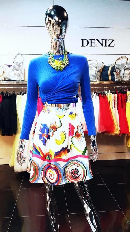 Színes, tavaszi, vagány és trendi ruhák a Deniz Paris üzletében! Virágba borult darabok üzletükben, a Trend2-ben!